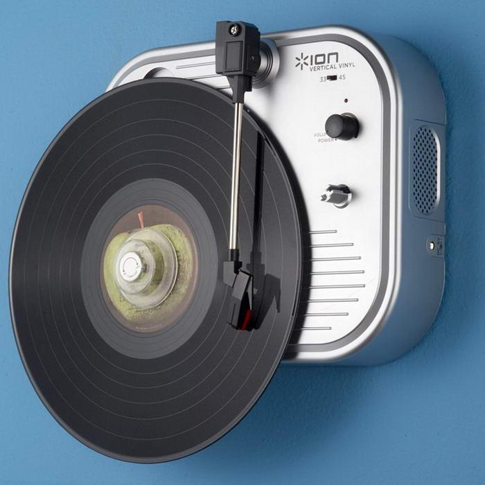 Vertical Vinyl – Wall-Mounted Turntable